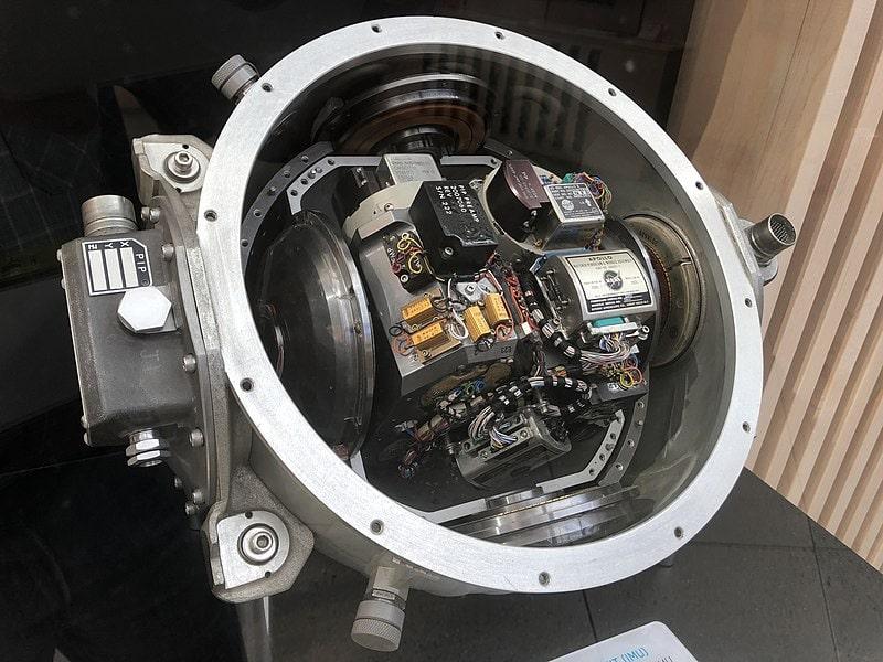 IMU tích hợp trong tàu Apollo