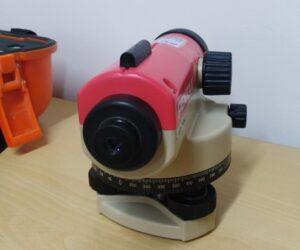 máy thủy bình laser pentax 124 24x